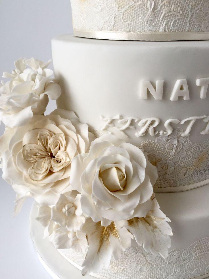 Communion cake with sugarflowers