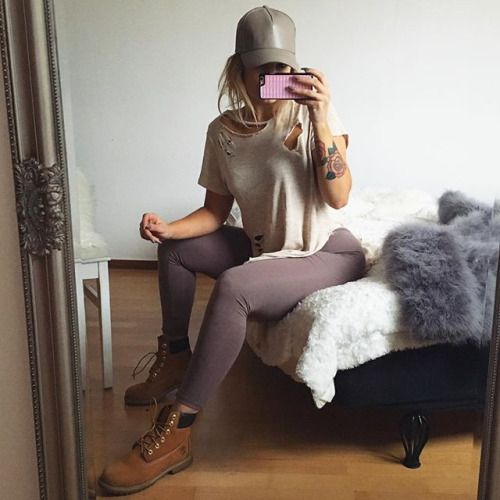 radoutfits:  Tumblr style clothes with an affordable prize HERE Sale up to 50% + outlet items starting at 2,99$  Luxury trends HERE Latest Kardashian outfits for less HERE