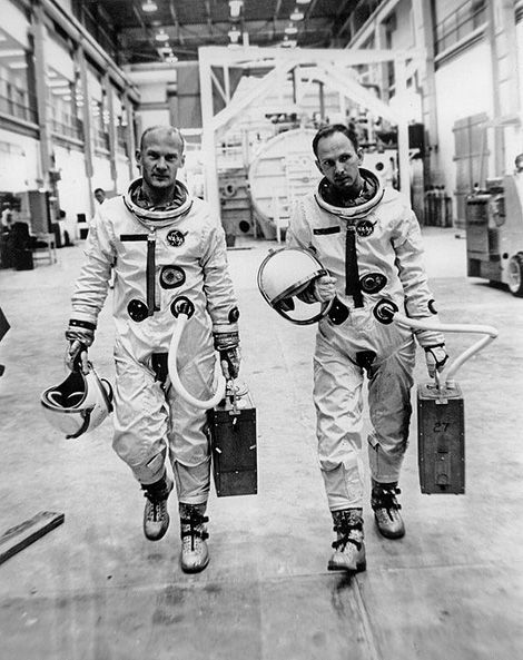 Image from 1964 showing astronauts Buzz Aldrin and Ted Freeman.