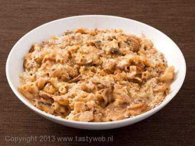 Recept voor een pasta gerecht met kip en paddestoelen met room uit de oven. Recept komt van Jamie Oliver.