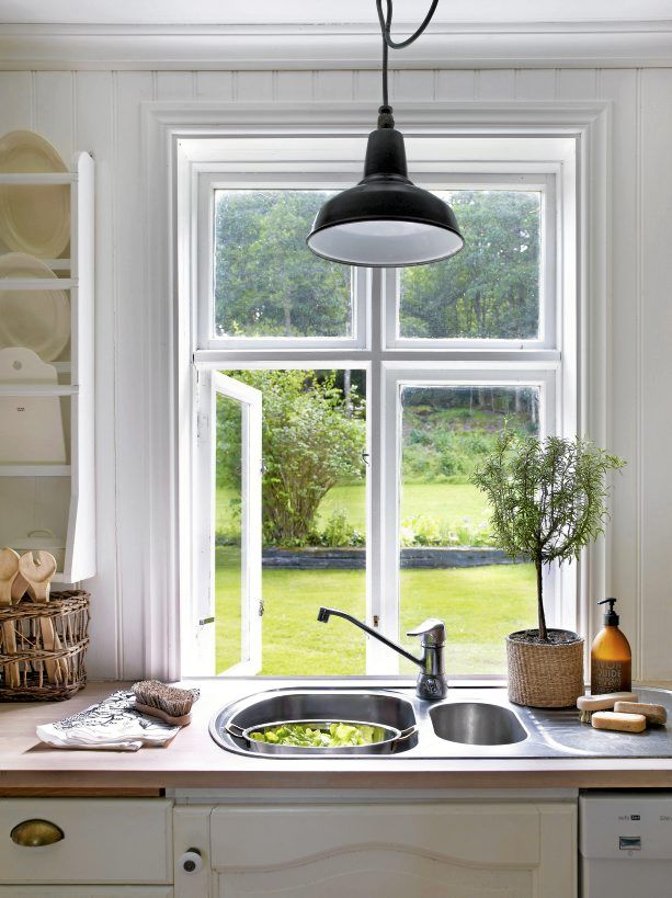 FROM MY WINDOW: THE HOUSE OF A STYLIST IN SWEDEN / ANNA TRUELSEN SWEDISH HOME