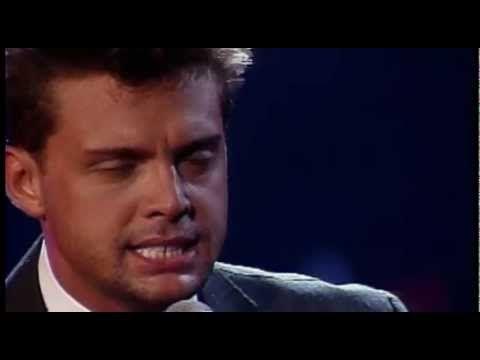 Medley : Yo Que No Vivo Sin Tí, Culpable O No, Más Allá, Fría Como el Viento, Entrégate, Tengo Todo Excepto a Tí y La Incondicional El concierto es un álbum ...