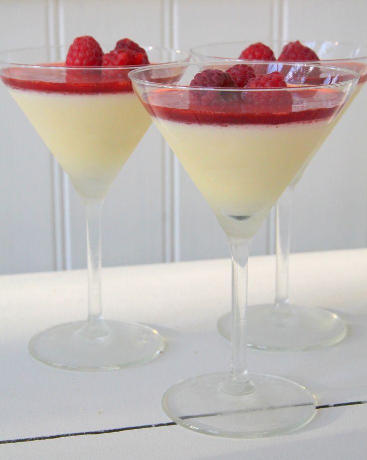 Vaniljpannacotta med jordgubbssirap | Jennys Matblogg