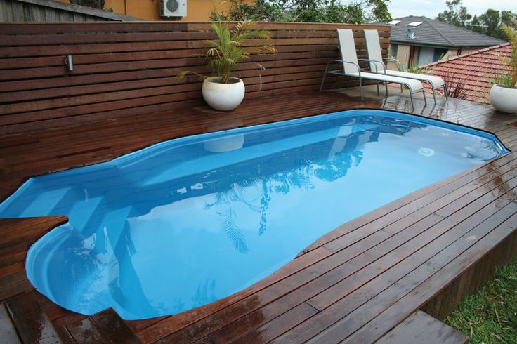 Capri plunge pool the distinctive shape of the narellan for Plunge pool design