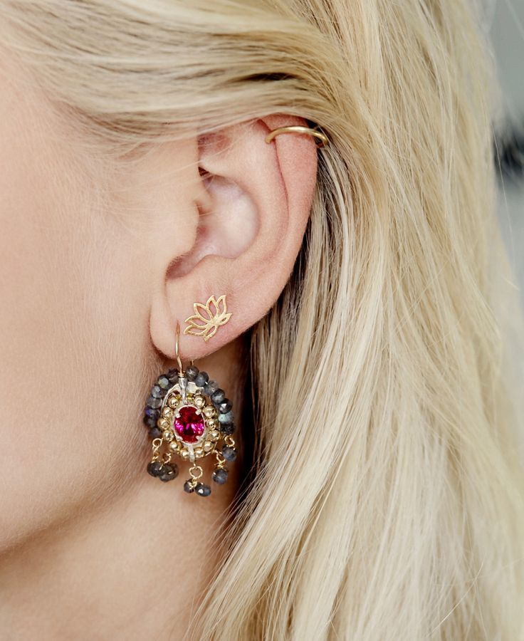 Happinez earrings 'Lotus' and 'Maharadja' to be found in the Happinez shop!