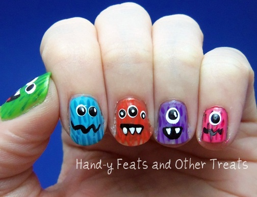 Hand-y Feats and Other Treats: Halloween Challenge! Day 6: Things That Go Bump in the Night