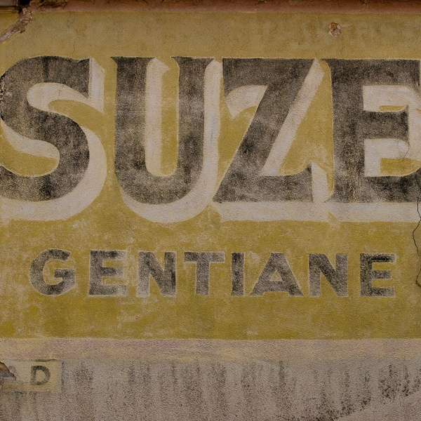 Ghost Sign : Suze