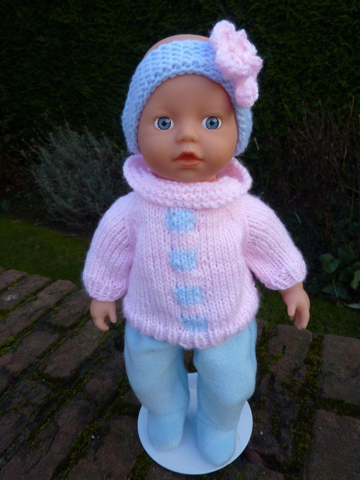 Gebreid truitje, hoofdband en slobbroekje voor Baby Born 32cm. Patroon Wolly Online