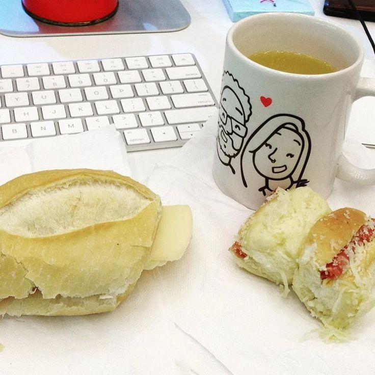 Quase esqueci que hj tinha café da manhã hahahaha! Cheguei cedo e estava pilhado trabalhando  os caras me lembraram pelo #slack #dev #javascript #react #sublimetext #apple #imac #breakfast #saopaulo #brazil #easynvest