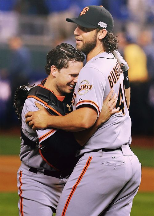 I love the brotherhood between the players on this team.  This is a bromance right here. Giants! #MCO435