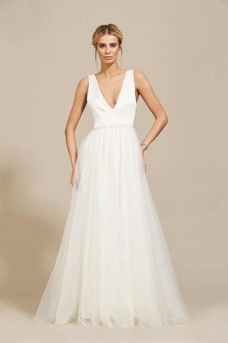 Rochie Ana Oana Nutu Fashion Designer Wedding Dress Wedding Gown www.OanaNutu.com #fashion #style #shopping #oananutu #Bridal #BridalDress #WeddingDress #Bride #FashionDesigner #Wedding