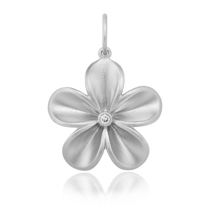 Fleura Pendant Matte. Sand blasted 925 sterling silver with white rhodium plating. 1 brilliant diamond 0.035 carat (full cut).