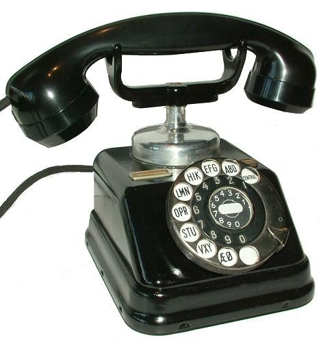 Ring ring, who's there? old phone sounds for RHM's office: (and contextually accurate) https://www.youtube.com/watch?v=IhMeB4NS5To https://www.youtube.com/watch?v=KFZkHnn2Hrk https://www.youtube.com/watch?v=U8eUnbnthV0 https://www.youtube.com/watch?v=cfdBs6GFAoM