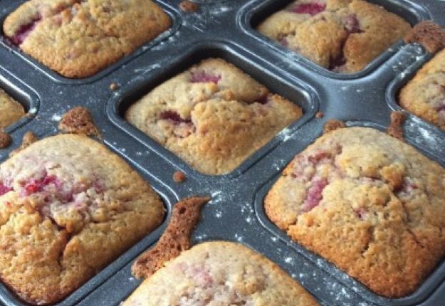 Raspberry and white chocolate muffins - Real Recipes from Mums