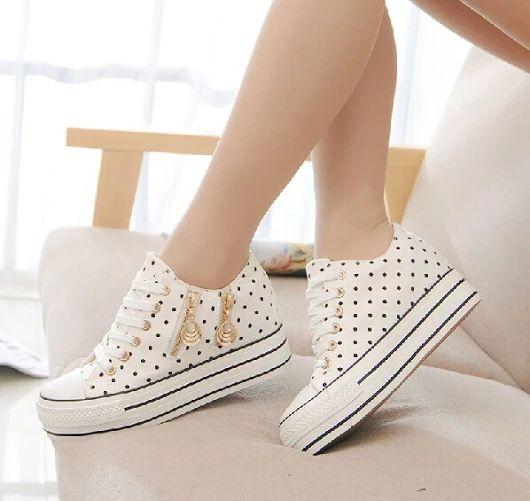 Zapatos con puntos