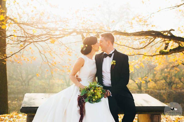 wedding / wedding bouquet / sesja ślubna / fot. Bajkowe Śluby