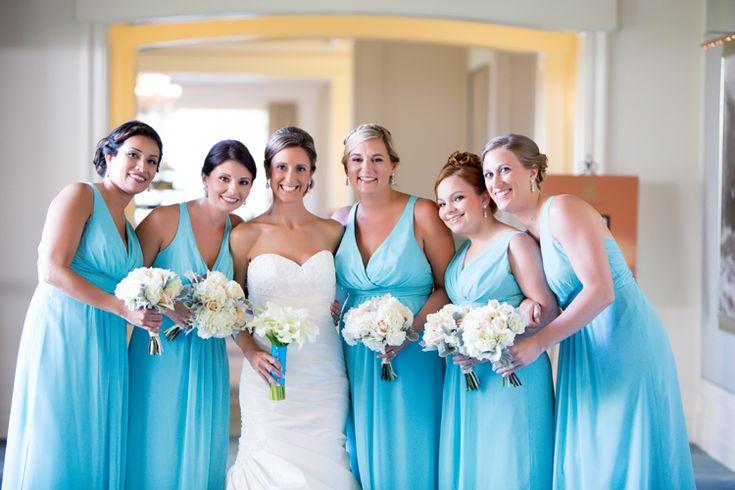 Blue bridesmaid dresses (Tonya Beaver Photography)