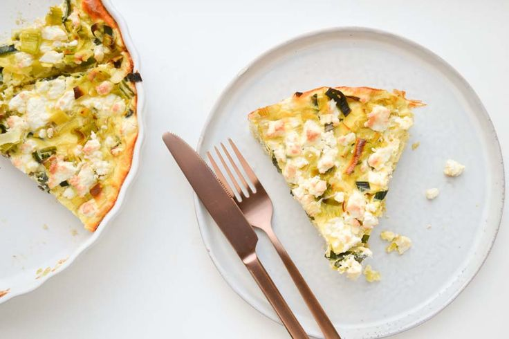 Deze quinoa quiche is een perfect voorbeeld van de recepten die je in het Mealplanning Kookboek van CLF kan vinden: Lekkers wat je kunt oppiepen in de oven!