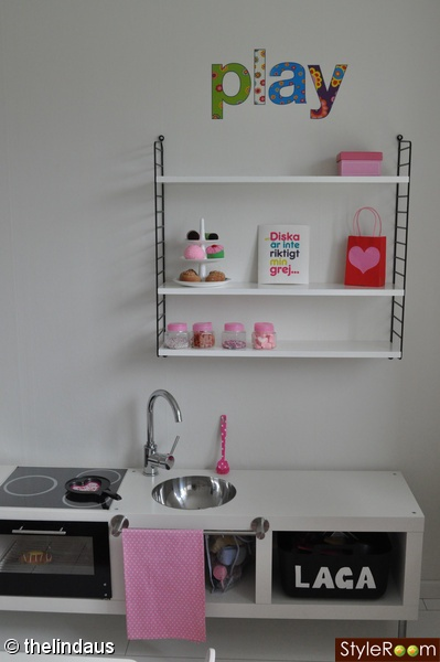 Playkitchen made from Ikea shelf