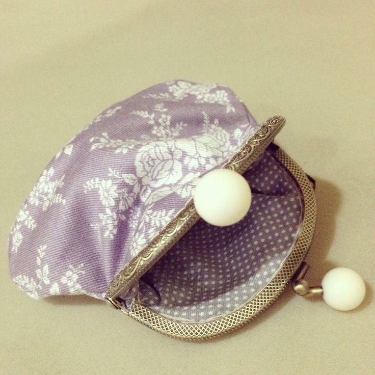 Metal frame coin purse.