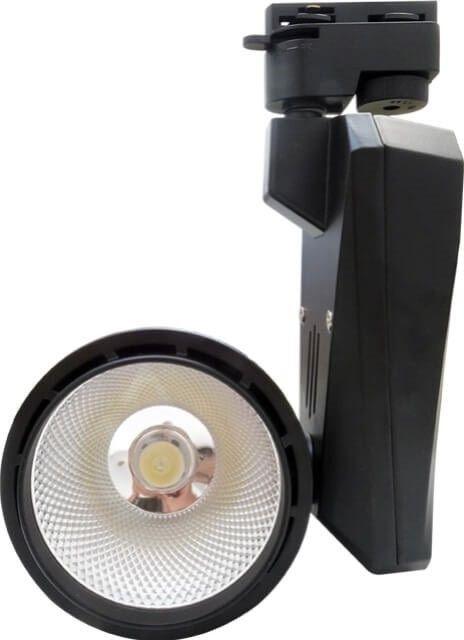 Cu aceste Spoturi Magazin cu COB LED 30W puteti schimba infatisarea si ambianta spatiului comercial. Lumina alba rece este focusata la 90 grade, punand in evidenta locul iluminat.