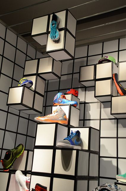 in and out of the box, pinned by Ton van der Veer