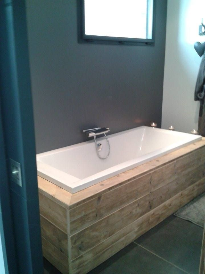 les 25 meilleures id es de la cat gorie baignoire bois sur pinterest salle de bains de oak. Black Bedroom Furniture Sets. Home Design Ideas