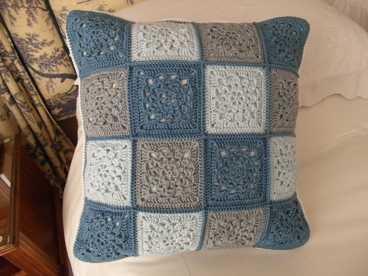 Back of crocheted cushion - By Sharon Blignaut