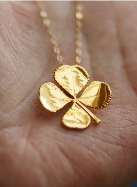 Four Leaf Clover ~ Gold Necklace. I love this as a little good luck charm!