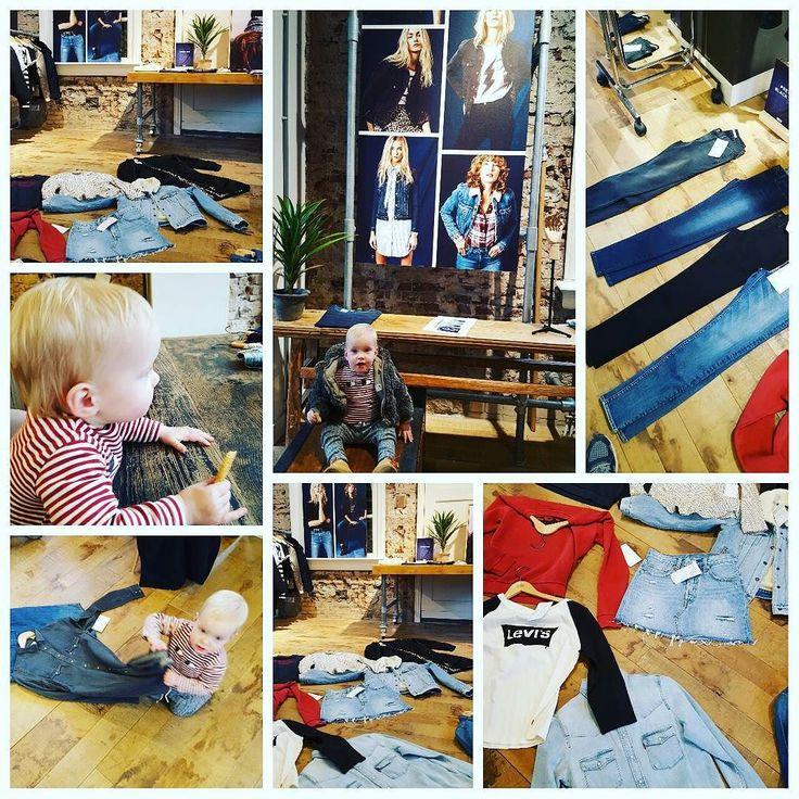 Inkoop #levis winter 2017 met mijn grote vriendin top collectie #denim #jeans #batwing #logotees #logosweats
