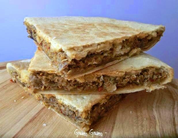Torta salata con cipolla di Tropea e nduja di Spilinga Nduja spicy spreadable salami