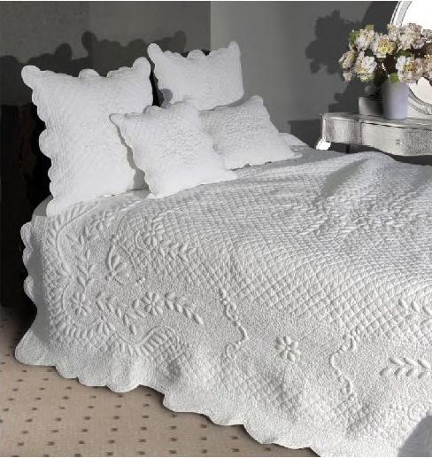les 25 meilleures id es de la cat gorie couvre lit sur pinterest couvre lits lit et couvre mur. Black Bedroom Furniture Sets. Home Design Ideas