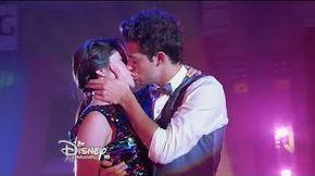 Luna y Matteo cantan Prófugos - Momento Musical (con letra) - Soy Luna - YouTube