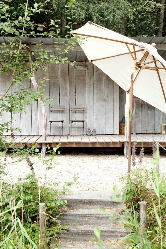 weies haus im vintage look - Farbakzente Interieur Einfamilienhaus
