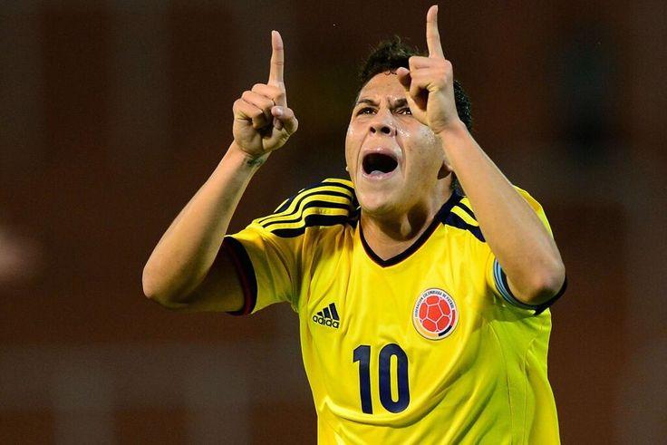 El 10 de la selección Colombia celebra el golazo con el que empató el tricolor nacional, su juego ante Korea.
