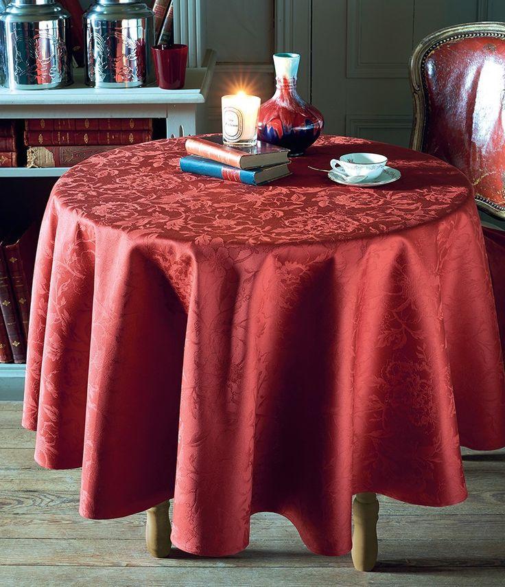 Garnier Thiebaut Mille Charmes Rubis: ein warmer Rotton für Uni-Fans von schöner, klassischer Tischwäsche.   Unser Service für Sie: wir nähen Ihre Tischdecke kostenlos!   Sie geben Ihre Tischmaße ein und unser Tischdeckenkonfigurator berechnet Ihre persönliche Tischdecke.   Wählen Sie aus herrlichen Stoffen (abwaschbar oder reine Baumwolle) Ihren Favoriten. Nichts Passendes gefunden?   Rufen Sie uns an unter Tel. (0281) 24173 und wir machen es passend! Sie sind sich in der Farbwahl nicht…