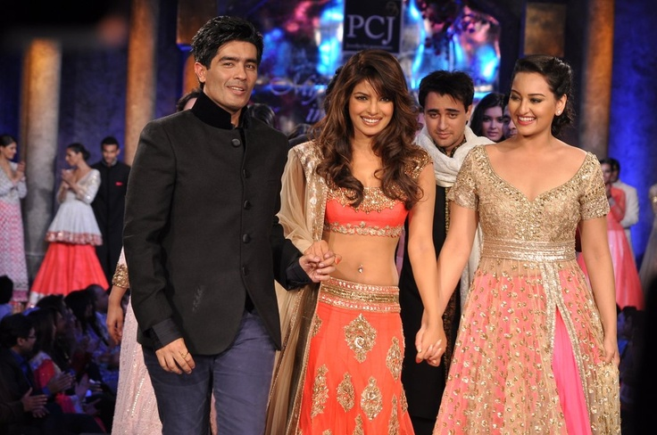 Three's Company Priyanka Sonakshi & Manish !