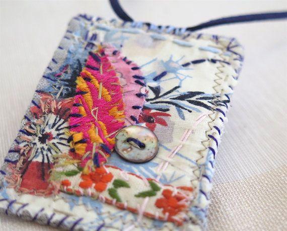 Upcycled textile art necklace Hand swen garden por sewingfairydust