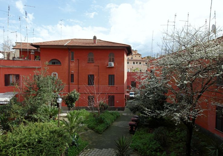 Rione XIII - Trastevere Cozy apartment for holiday rental in Rome http://www.rome4all.com/en/detail_structure/65/apartment-trastevere-green