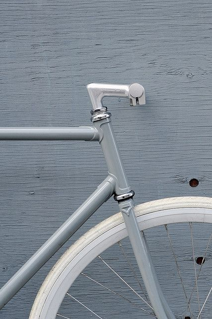 Sentinella minimalist fixed gear bike // Bertelli Cycles