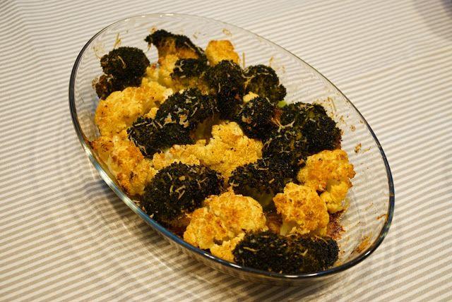 Receitas da TinA: Couve-flor e brócolos assados com parmesão