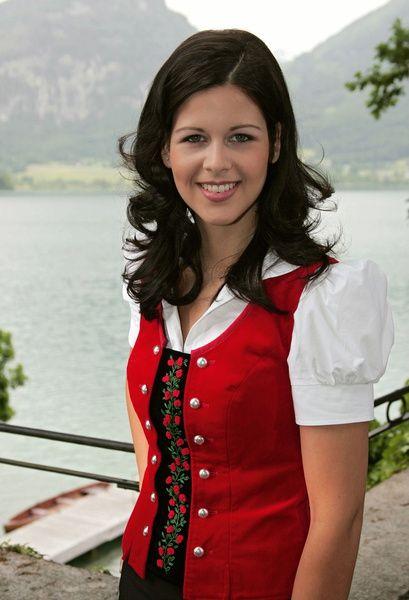 Melanie Oesch Filmbild Bild-2 Musikhotel am Wolfgangsee - Die Schlagerette aus den Bergen, Das (ARD) / Melanie Oesch