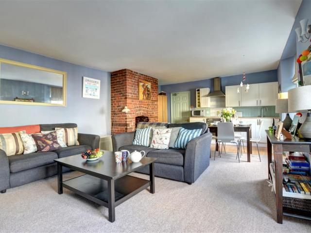 Bowsprits, a gorgeous apartment for two in the heart of Fowey, Cornwall