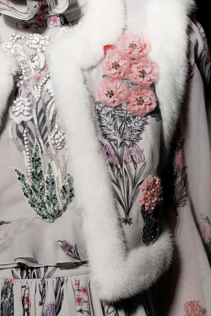 Giambattista Valli Spring 2017 Couture Accessories Photos - Vogue