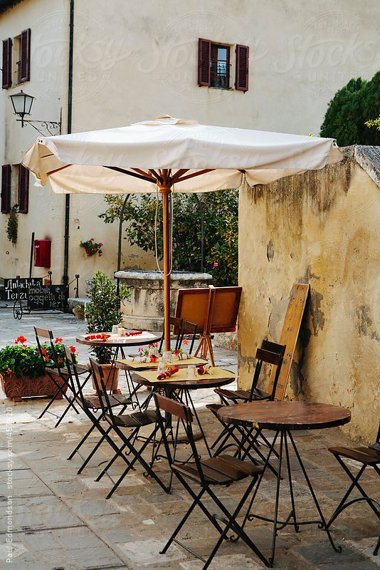 Table and chairs from outdoor cafe, Bagno Vignoni, Tuscany ...