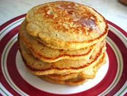 Cinnamon Applesauce Pancakes from Weight Watchers, pancakes with cinnamon...what's not to love?!