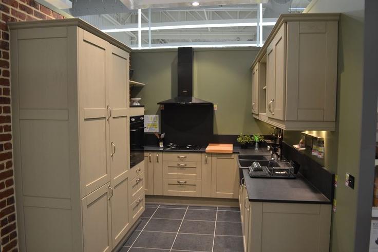 cuisine mystral cliquez sur la photo pour acc der logiciel de conception 3d des cuisines. Black Bedroom Furniture Sets. Home Design Ideas
