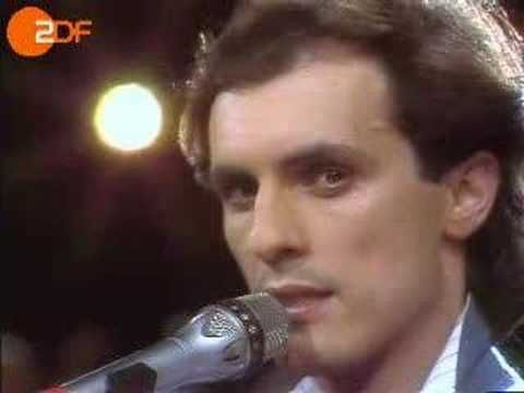 ▶ Peter Schilling - Major Tom (German High Quality Live) - YouTube