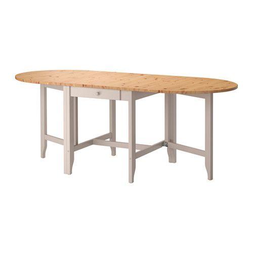 IKEA - GAMLEBY, Klaptafel, De afmetingen van de tafel zijn snel en eenvoudig aan te passen aan de behoefte. De tafel kan worden verlengd en biedt plaats aan 2-6 personen.Massief grenen is een natuurmateriaal dat in de loop der jaren steeds mooier wordt en een eigen, uniek karakter krijgt.Praktische lade onder het tafelblad voor het onder handbereik opbergen van bestek, servetten of placemats.