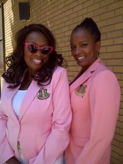 Sorors Star Jones and Vanessa Bell Calloway representing Alpha Kappa Alpha Sorority, Incorporated